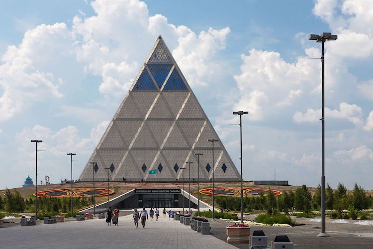 Photo: Astana, Palace of Peace and Reconciliation, architect Norman Foster. CC BY-SA 2.0