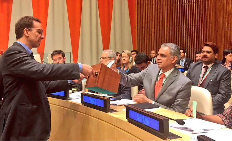 Photo: India's Permanent Representative to the UN, Ambassador Syed Akbaruddin (right) casting vote for election to the ECOSOC Committee on Non-Governmental Organizations. Credit: twitter.com/MIB_India