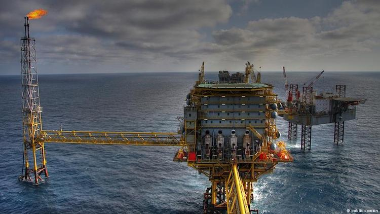 Photo: Oilrig in the sea. Source: Public Domain