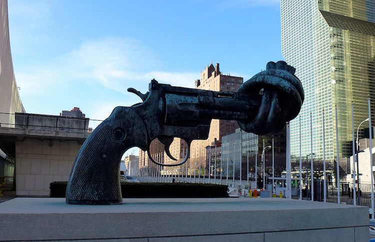 Photo: The sculpture Non-Violence by Carl Fredrik Reuterswärd, in front of UN headquarters at New York City. CC BY-SA 3.0