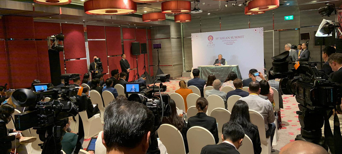Photo: Secretary-General António Guterres speaks to the press after addressing the ASEAN Summit in Bangkok, Thailand. (3 November 2019). Credit: UN Economic and Social Commission for Asia and the Pacific (ESCAP).