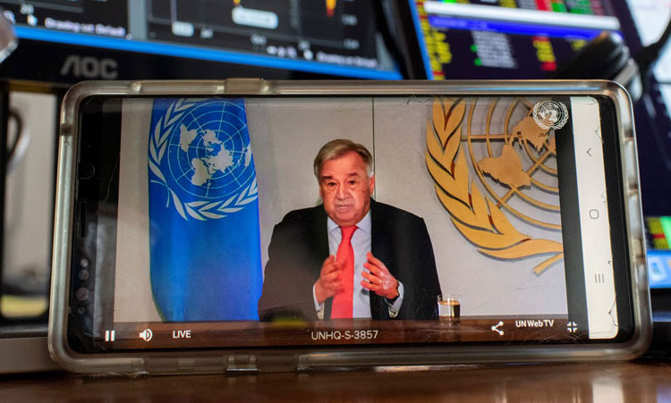 Photo: Secretary-General António Guterres briefs the media on the socio-economic impacts of the COVID-19 pandemic. UN Photo/Mark GartenPhoto: Secretary-General António Guterres briefs the media on the socio-economic impacts of the COVID-19 pandemic. UN Photo/Mark Garten