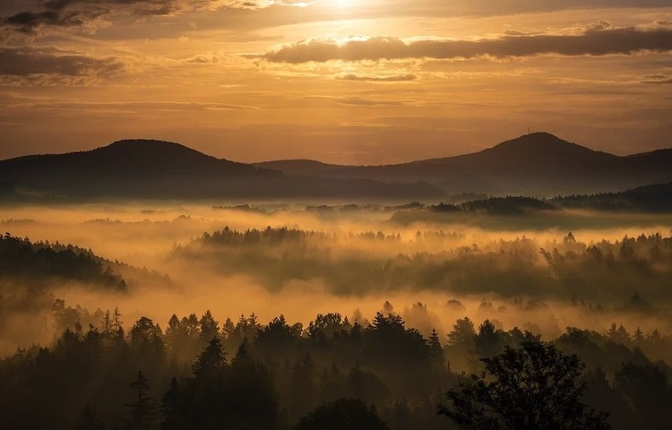 Image: Sunrise, Fog, Landscape, Mountains, Mist, Morning, Dawn as in diplomacy. Source: Pixabay.