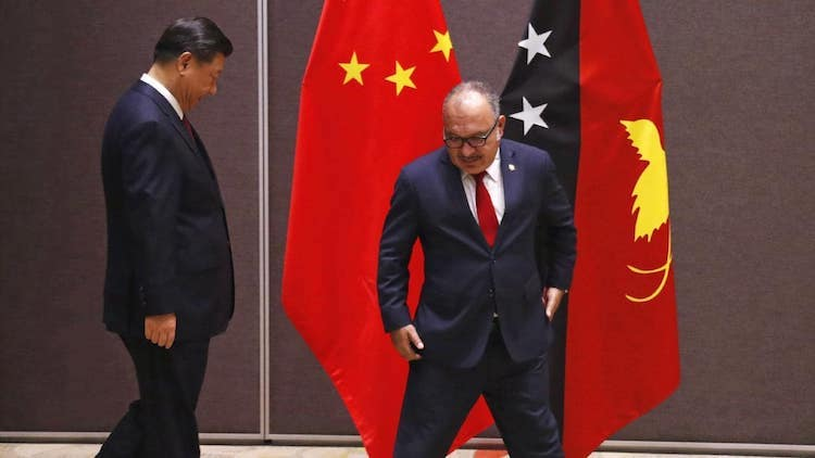 Photo: Papua New Guinea's Prime Minister Peter O'Neill, right, and China's President Xi Jinping in Port Moresby on November 16.